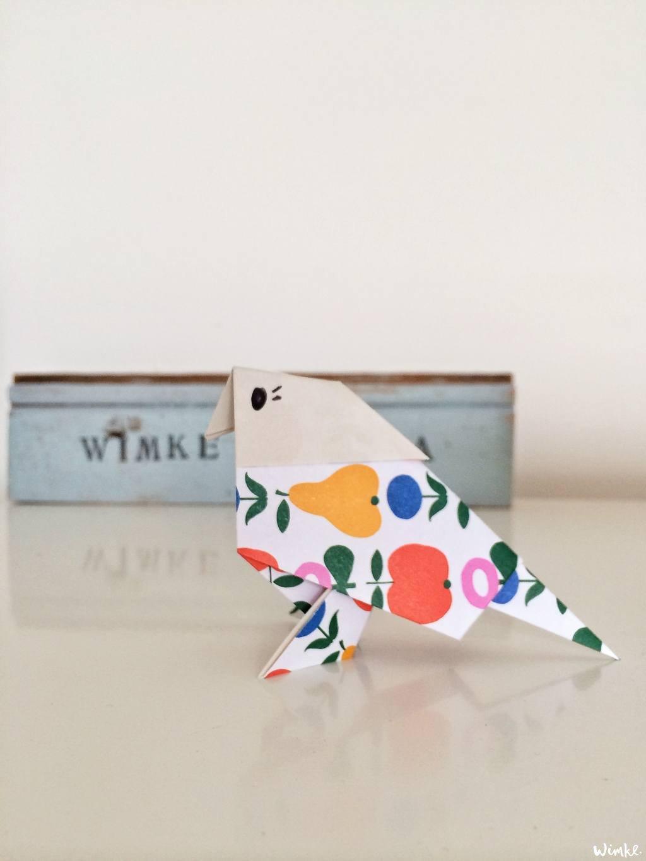 Een origami bird (vogel)