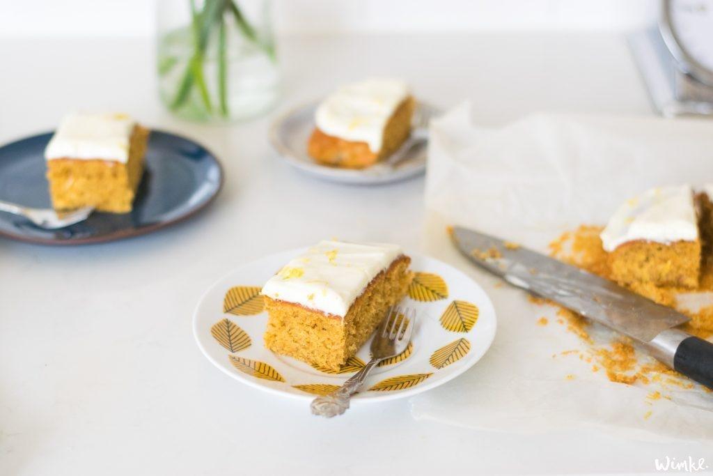 Recept carrotcake met een frisse topping met citroen.