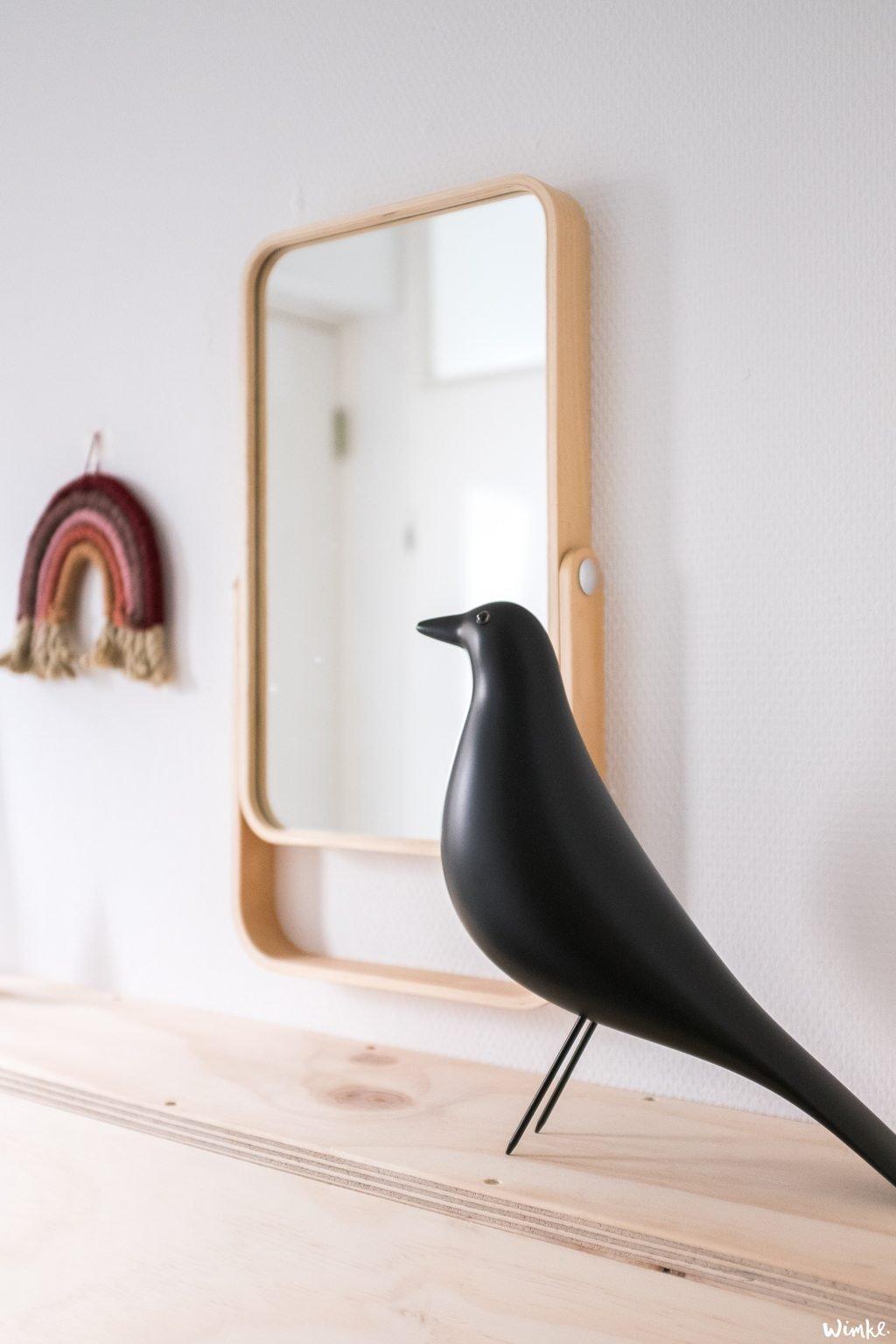 Een opgeruimde hal - Eames House Bird - (c) Wimke.nl