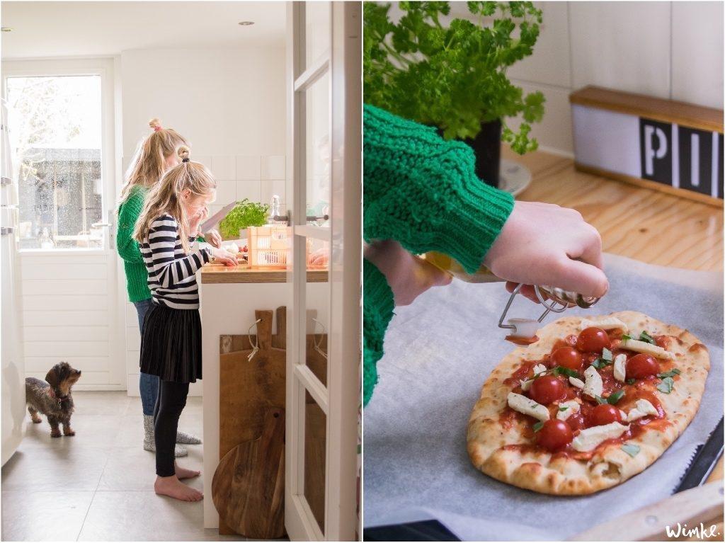 Naanbrood pizza - met een beetje olijfolie erbij