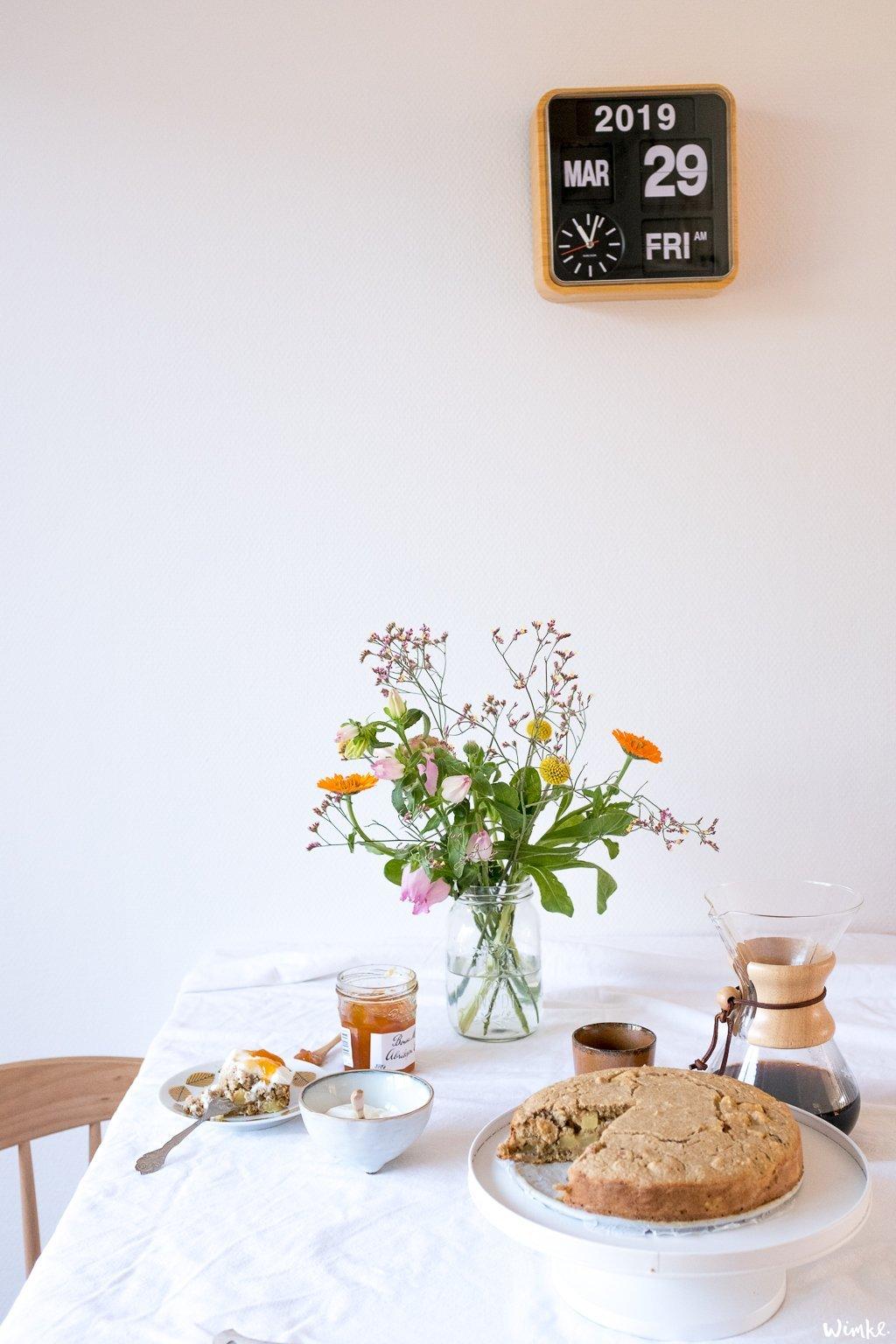 een heerlijke ontbijttaart met o.a. kwark en jam - www.wimke.nl