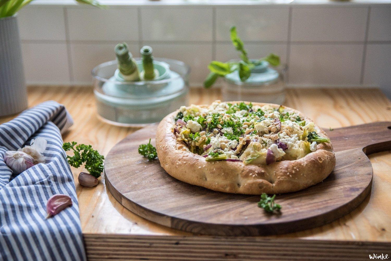 Gevuld Turks brood van restjes groente